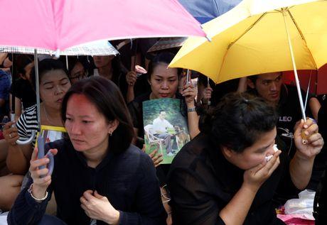 "Linh cuu Quoc vuong Thai Lan ve den ""nha"" - Anh 13"