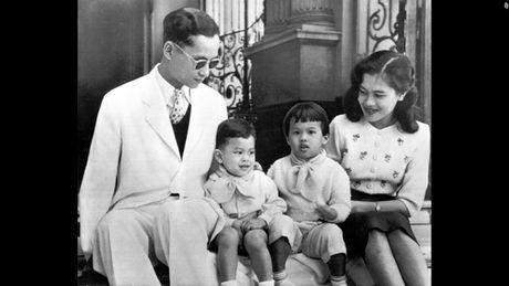 Cuoc doi 'vi thanh song' Bhumibol Adulyadej cua Thai Lan - Anh 4