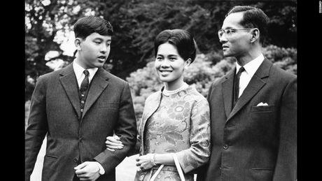 Cuoc doi 'vi thanh song' Bhumibol Adulyadej cua Thai Lan - Anh 5