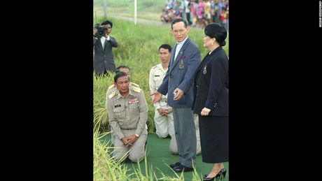 Cuoc doi 'vi thanh song' Bhumibol Adulyadej cua Thai Lan - Anh 8