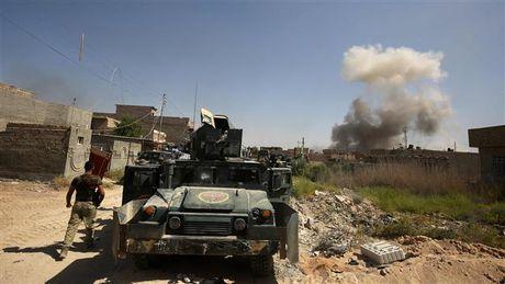 Quan doi Iraq trien khai binh luc lon den Mosul chien dau chong IS - Anh 1