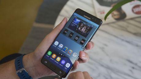 Mua Galaxy Note 7 da qua su dung van duoc Samsung ho tro den bu - Anh 1