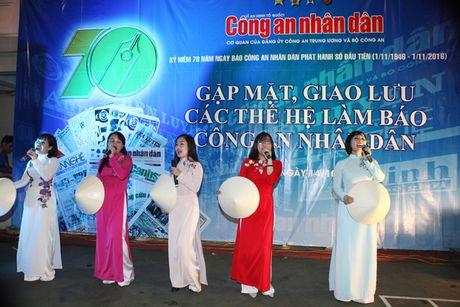 Tri an, tiep lua cho nhung nguoi lam nen thuong hieu Bao CAND - Anh 16