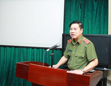 Toa dam, gioi thieu cuon sach cua Thuong tuong Nguyen Van Huong - Anh 1