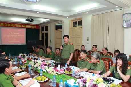 Toa dam, gioi thieu cuon sach cua Thuong tuong Nguyen Van Huong - Anh 4