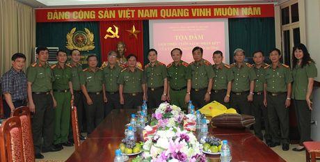 Toa dam, gioi thieu cuon sach cua Thuong tuong Nguyen Van Huong - Anh 5