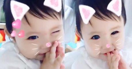 Video: Co be co ve ngoai dang yeu nhu chu meo con - Anh 1