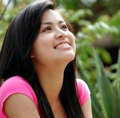 Hoang Thuy Linh: Tu hotgirl clip nong thanh my nhan dat gia nhat showbiz Viet - Anh 1