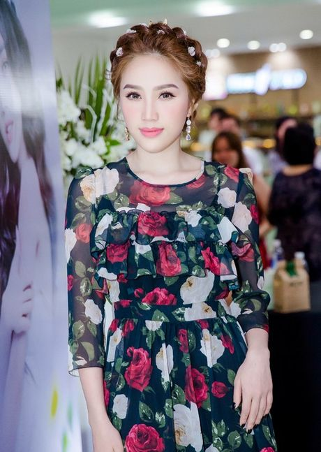Bao Thy dau tu nua ti sang Malaysia lam MV I Love You - Anh 1