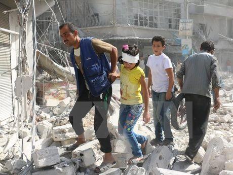 Ban tin 20H: Nga va Syria trut mua bom vao phe noi day o Aleppo - Anh 1