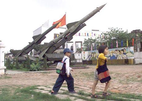 Quan noi day Yemen dinh dung ten lua phong khong danh tra tau chien My - Anh 4
