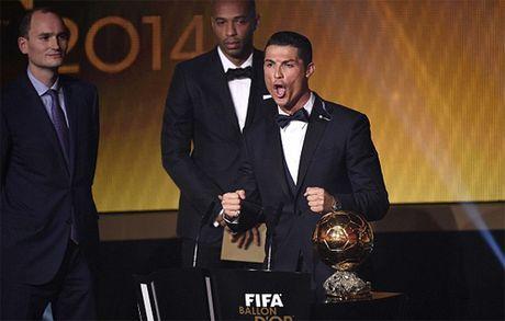 Maradona che Ronaldo hot tay tren Qua bong vang cua Neuer - Anh 1