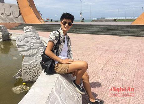 Nu sinh Truong Dai hoc Vinh gay sot voi ngoai hinh 'tom boy' - Anh 13