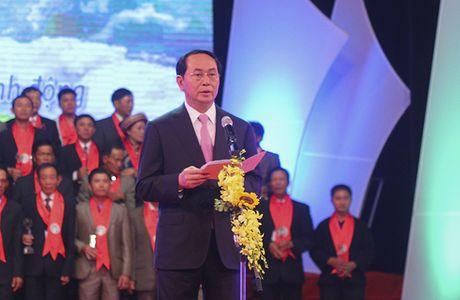 Chu tich nuoc ton vinh Nong dan xuat sac 63 tinh thanh - Anh 1
