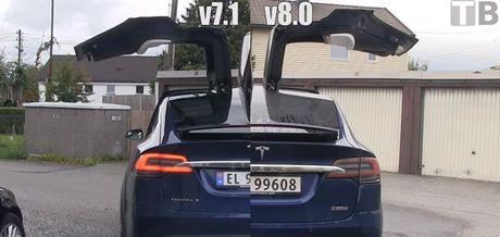 Cua 'canh chim' xe Tesla Model X mo nhanh hon nho ban update phan mem - Anh 1