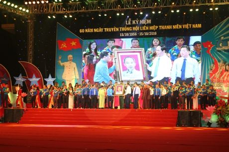 Tang huan chuong Ho Chi Minh cho the he thanh nien VN - Anh 2