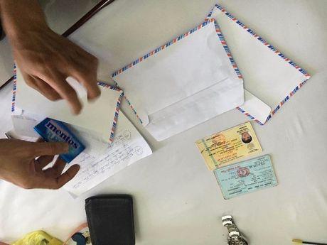 Bat cap tinh nhan su dung thuoc lac trong khach san - Anh 3