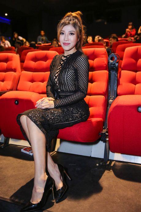 Bao Thy hanh phuc om chat bo me trong ngay ra MV moi - Anh 6