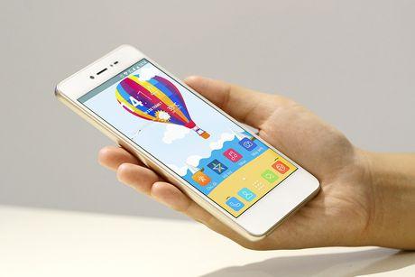 Dap hop LAI Yuna X: Smartphone voi nut selfie chuyen biet - Anh 4