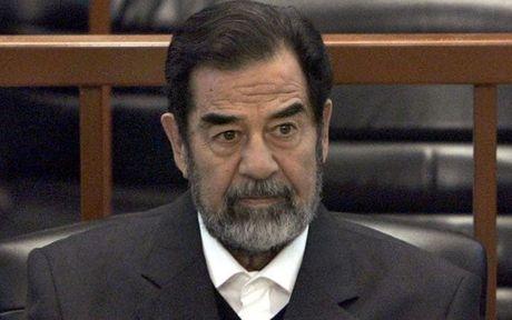 Saddam Hussein giau phong tra tan bi mat o My? - Anh 1