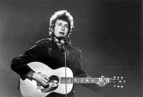 Nobel Van hoc Bob Dylan nhieu duyen no voi Viet Nam - Anh 1
