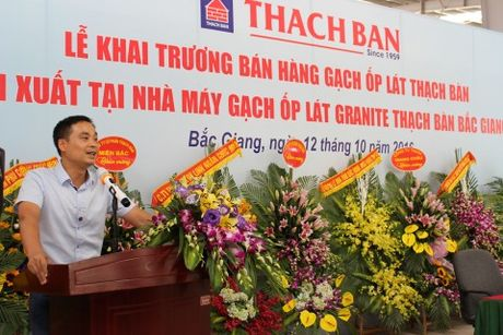 Thach Ban khai truong ban hang gach op lat cao cap - Anh 1