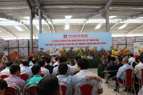 Thach Ban khai truong ban hang gach op lat cao cap - Anh 2