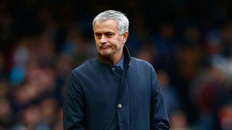 Neu Jose Mourinho dan dat Liverpool thay vi Chelsea... - Anh 1