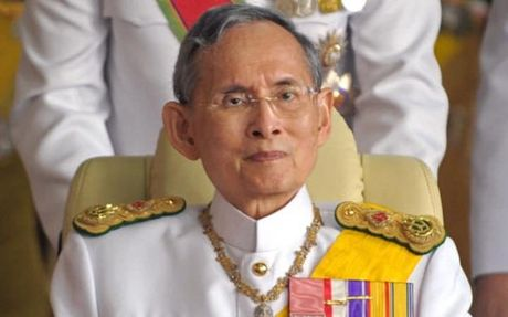 Thai Lan tang cuong dam bao an ninh sau khi nha vua bang ha - Anh 1