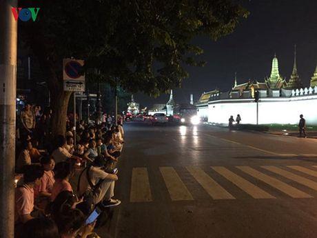 Thai Lan tang cuong dam bao an ninh sau khi nha vua bang ha - Anh 2