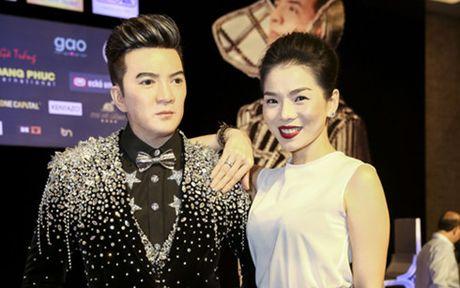 Ho Ngoc Ha, Le Quyen noi gi ve 'Diamond show' cua Dam Vinh Hung? - Anh 1