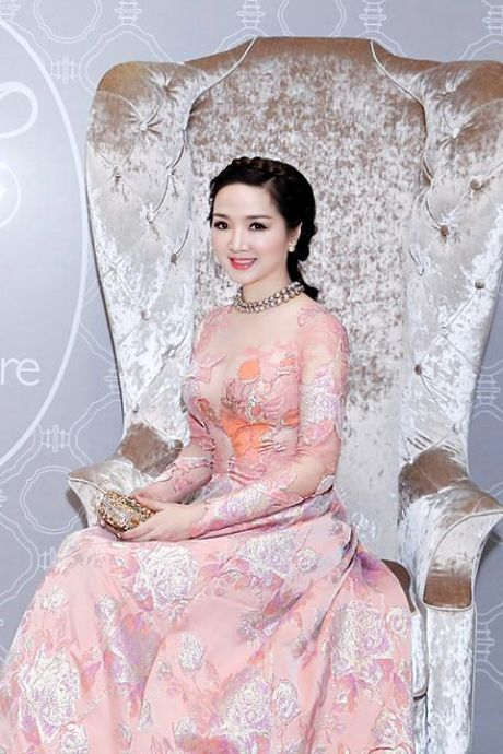 Giang My bien doi nhan sac qua tung su kien - Anh 5