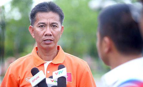 HLV Hoang Anh Tuan noi gi khi bat ngo thang U19 Trieu Tien? - Anh 1