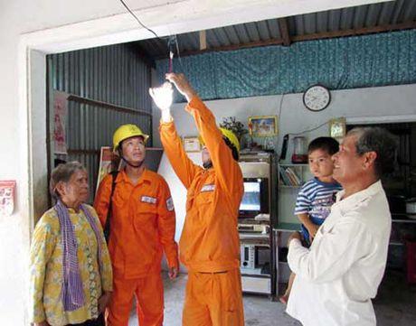 Dien ve ap Khmer mang theo no am - Anh 1