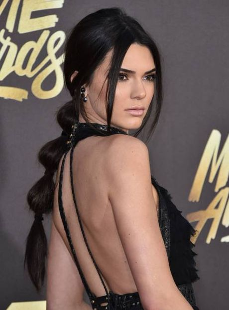 Cach buoc toc bong bong doc dao nhu Kendall Jenner - Anh 3