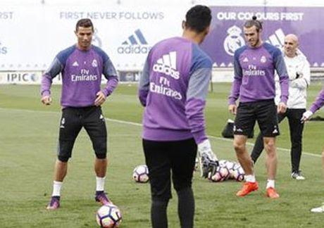 HAU TRUONG (15.10):Klopp hu doa Mourinho, sao Colombia buon ma tuy - Anh 7