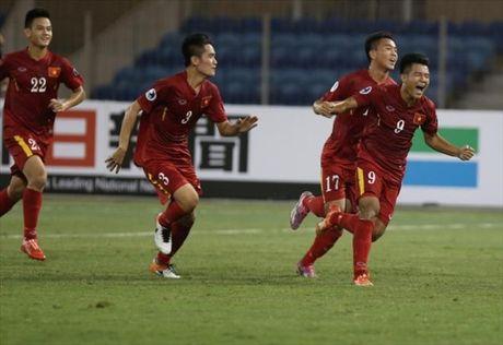 HLV Hoang Anh Tuan noi gi sau thang loi truoc U19 CHDCND Trieu Tien? - Anh 1