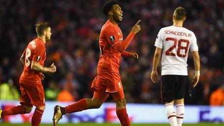 Liverpool chien Man United: Bo nao Khong Minh va duong kiem Lenh Ho Xung - Anh 1