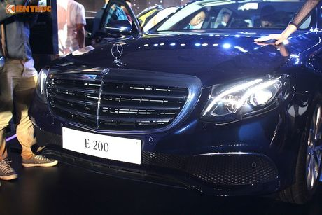 Can canh Mercedes E-Class 2017 gia hon 2 ty tai VN - Anh 4