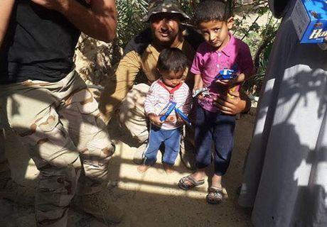 Hinh anh quan doi Iraq tuan tra vung Al-Bakr sau giai phong - Anh 6
