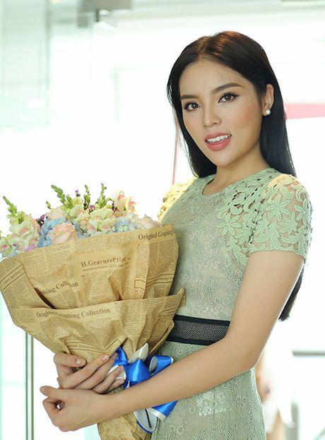 'Lan san' catwalk, lieu Hoa hau Ky Duyen co 'lam nen chuyen'? - Anh 3