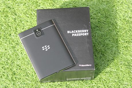 Can canh Blackberry Passport ban phim Full QWERTY gia 5,7 trieu - Anh 11