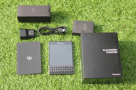 Can canh Blackberry Passport ban phim Full QWERTY gia 5,7 trieu - Anh 3
