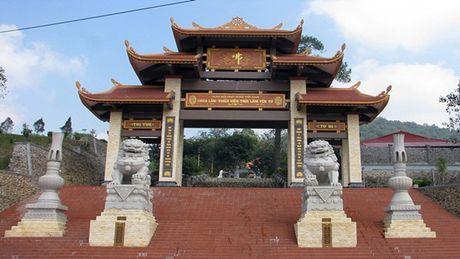 Quang Ninh: Mot nguoi dan ong tu thieu o Thien Vien Truc Lam Yen Tu - Anh 1