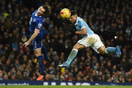 Man City - Everton: Xem Man xanh vuot kho - Anh 1