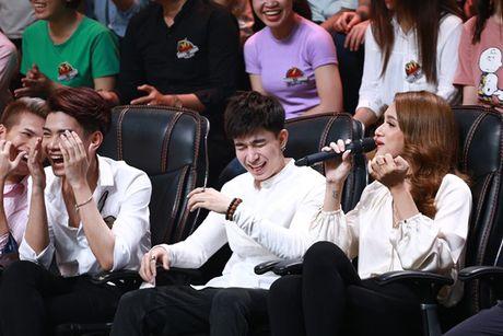 Ca si giau mat: Truong Giang lien tuc 'chat chem' Huong Giang Idol - Anh 4