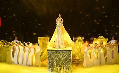 Nguoi dep phim 'Ben nhau tron doi' long lay nhu nu hoang - Anh 11