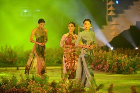 Hoang thanh Thang Long ruc sang trong dem hoi ao dai - Anh 10