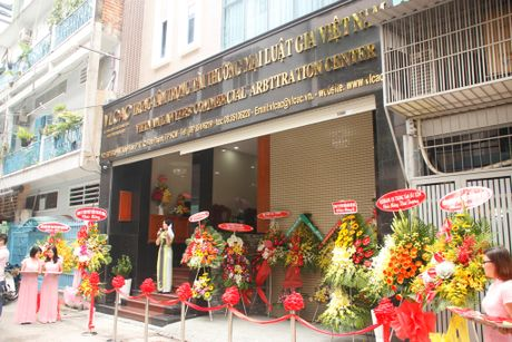 Ra mat Trung tam trong tai thuong mai luat gia Viet Nam - Anh 4
