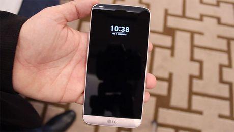 Ro ri LG LV5 giong G5 nhung chi co 1 camera - Anh 1